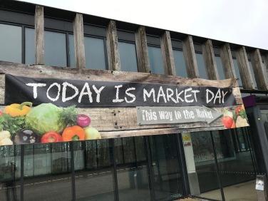 Lomond Shores : Market Day Sign