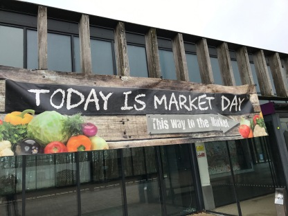 Lomond Shores : Market Day Sign