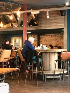 Munro's Pub : Inside 2