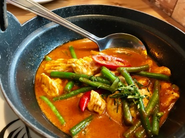 Thaikuhn : Pangag Curry (Chicken)