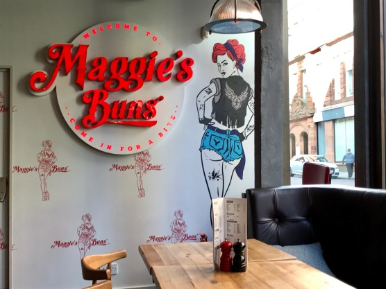 Maggie Mays : Sign