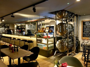Innis & Gunn Beer Kitchen : Inside 1