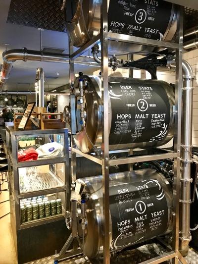 Innis & Gunn Beer Kitchen : Inside 2
