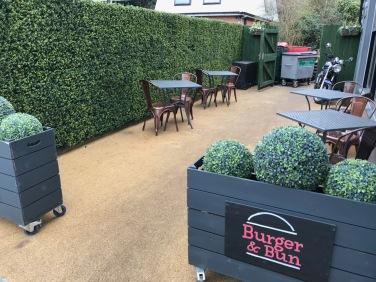 Burger & Bun : Outside Seating Area